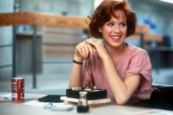 Molly Ringwald in The Breakfast Club eats out of a bento box.