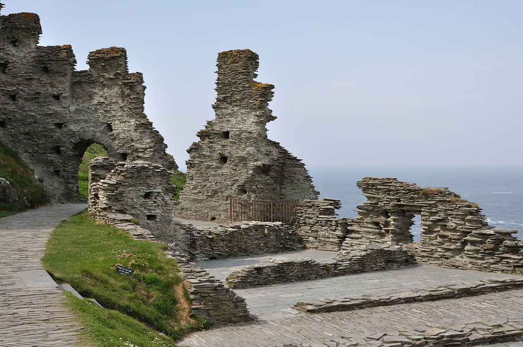 Tintagil Castle can bring Le Morte d'Arthur to life for high school students.